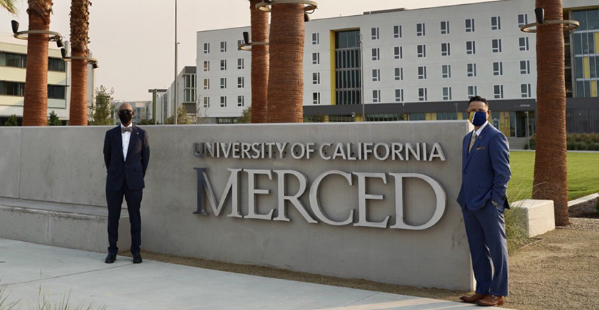 UC President Michael Drake and UC Merced Chancellor Juan Sánchez Muñoz