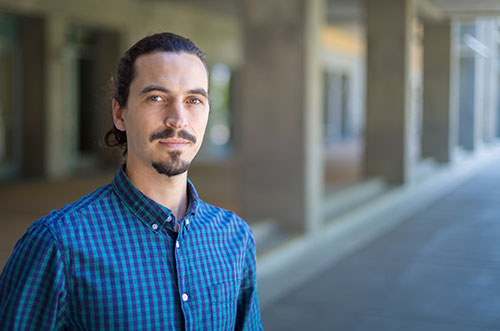 Climate scientist Emmanuel Vincent wants to see if science-based notes and context on  climate change articles can change how the public discusses the topic.