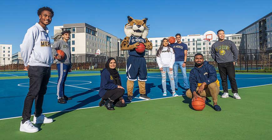 uc merced students basketball court